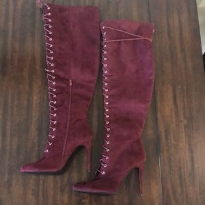 NWOT JustFab lace-up front heeled boots 11/42